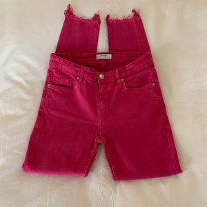 ZARA Hot Pink Jean w/ Stretch & Frayed bottom Sz 4
